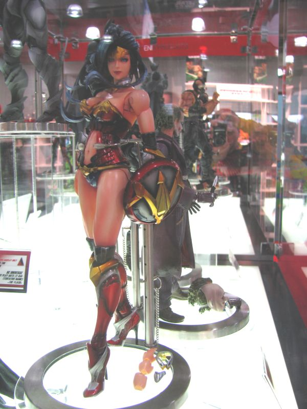 Square Enix Wonder Woman Play Arts Kai