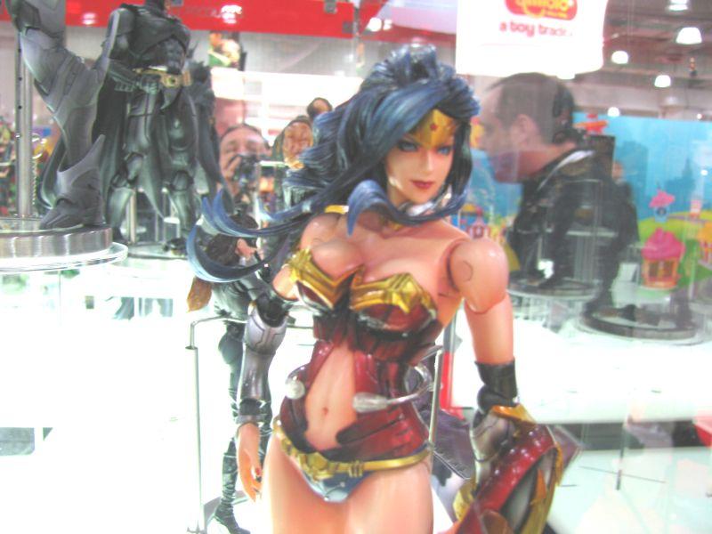 Square Enix Wonder Woman Play Arts Kai
