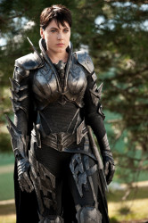 Antje Traue Faora