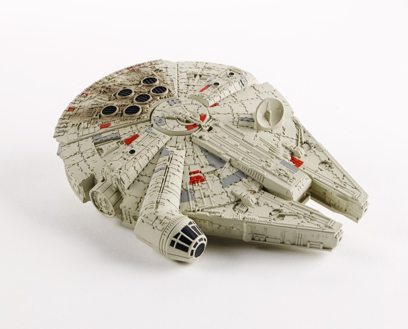 Star Wars Command Millennium Falcon