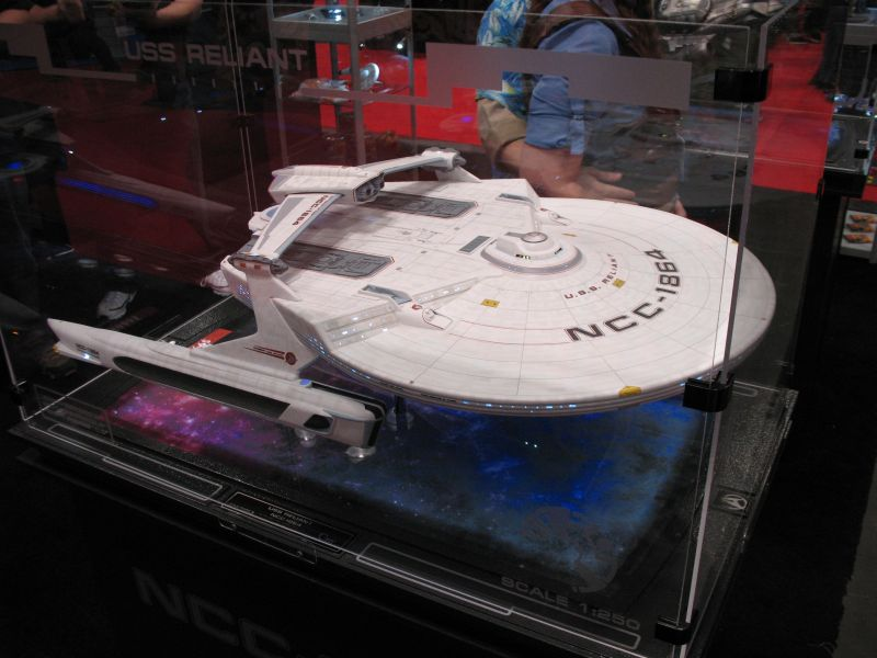 QMx Artisan Replica Star Trek U.S.S. Reliant