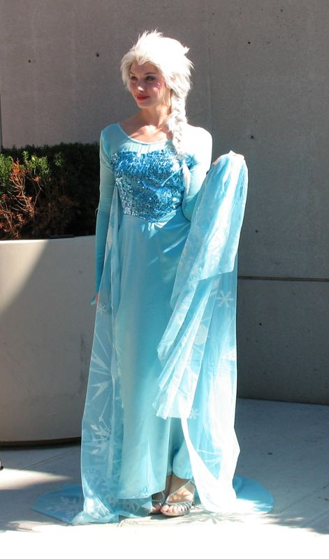 NYCC 2014 Elsa Cosplay