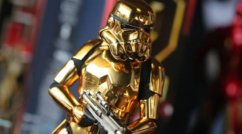 Hot Toys Gold Stormtrooper