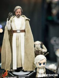 Hot Toys TFA Luke Skywalker