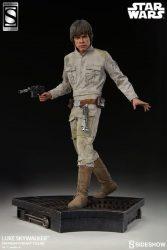 Premium Format Luke Skywalker Exclusive