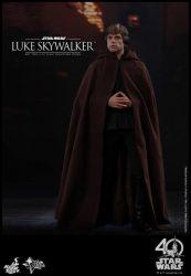 Hot Toys Luke Skywalker with Jedi Robe