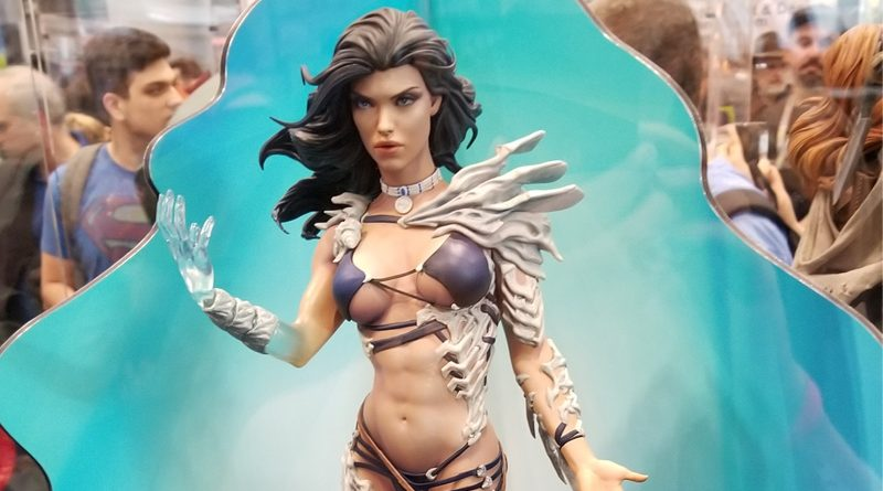 Sideshow Collectibles DC Comics And Misc Statues At NYCC