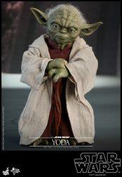 HT AOTC Yoda Standing