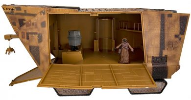 New Disney Droid Factory Sandcralwer Now Available In Parks
