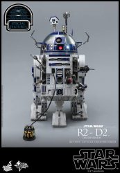 Hot Toys Deluxe R2-D2 01
