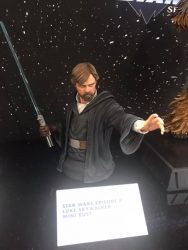 DST GG TLJ Luke Skywalker Bust TF