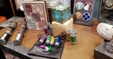 Celebration Chicago: Galaxy's Edge Merchandise Demonstrations