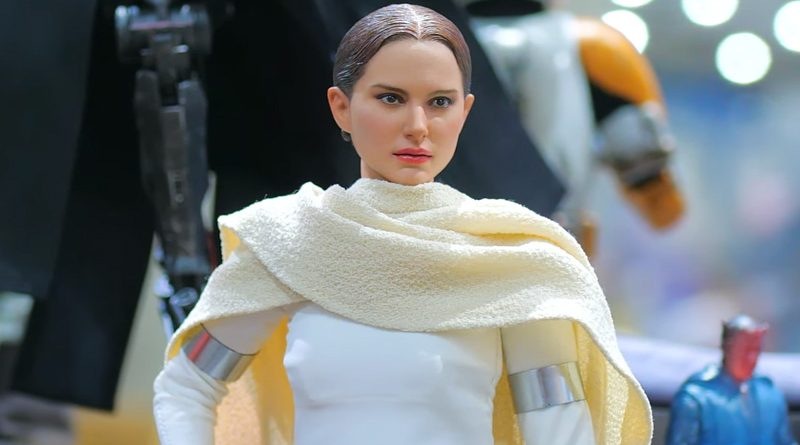 Hot Toys SDCC AOTC Padme Banner