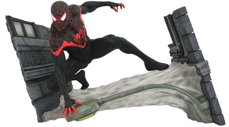 DST Marvel Gallery Spider-Man Web Miles Bust