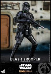 Hot Toys The Mandalorian Death Trooper Front