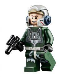 LEGO 75275 UCS A-Wing Minifigure 02
