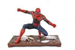 DST Marvel Gallery Spider-Man Front