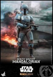 Hot Toys Death Watch Mandalorian Standing