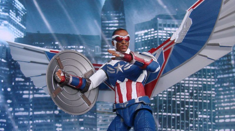 DST Marvel Select TFatWS Captain America Falcon Banner